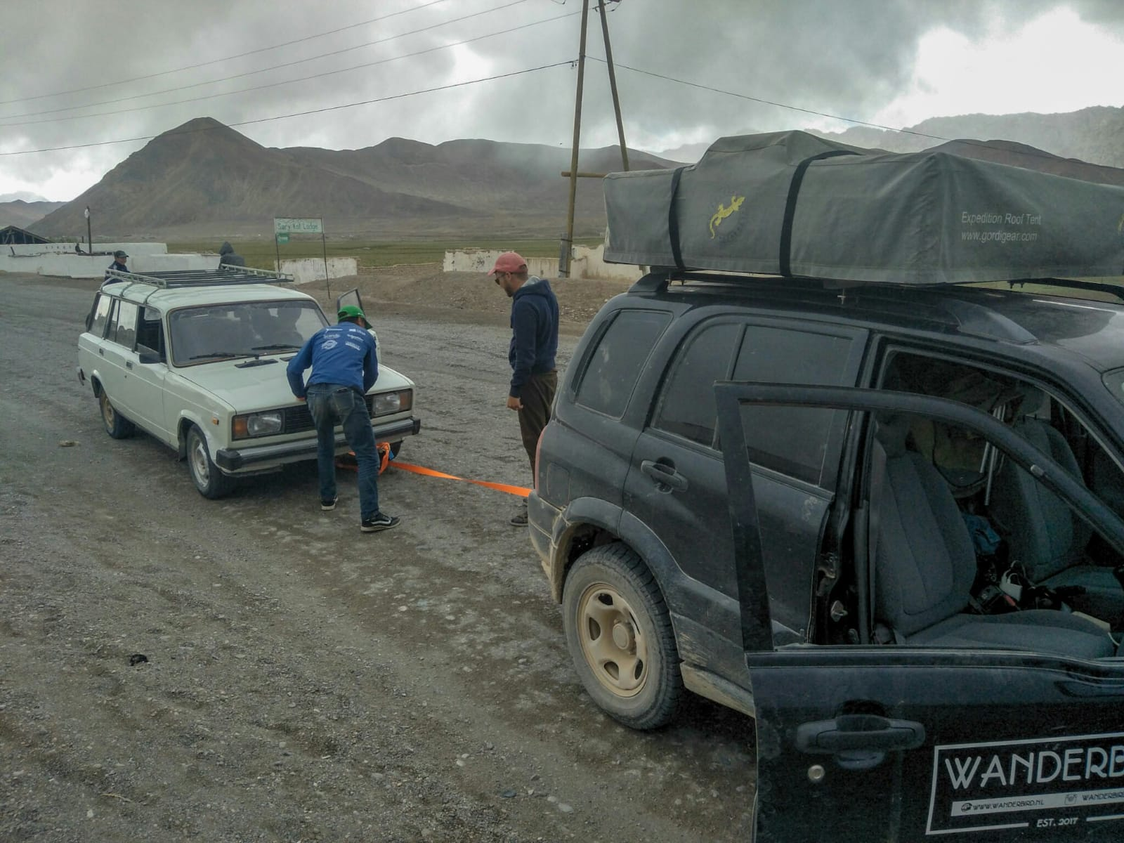 auto voortrekken in Tadzjikistan