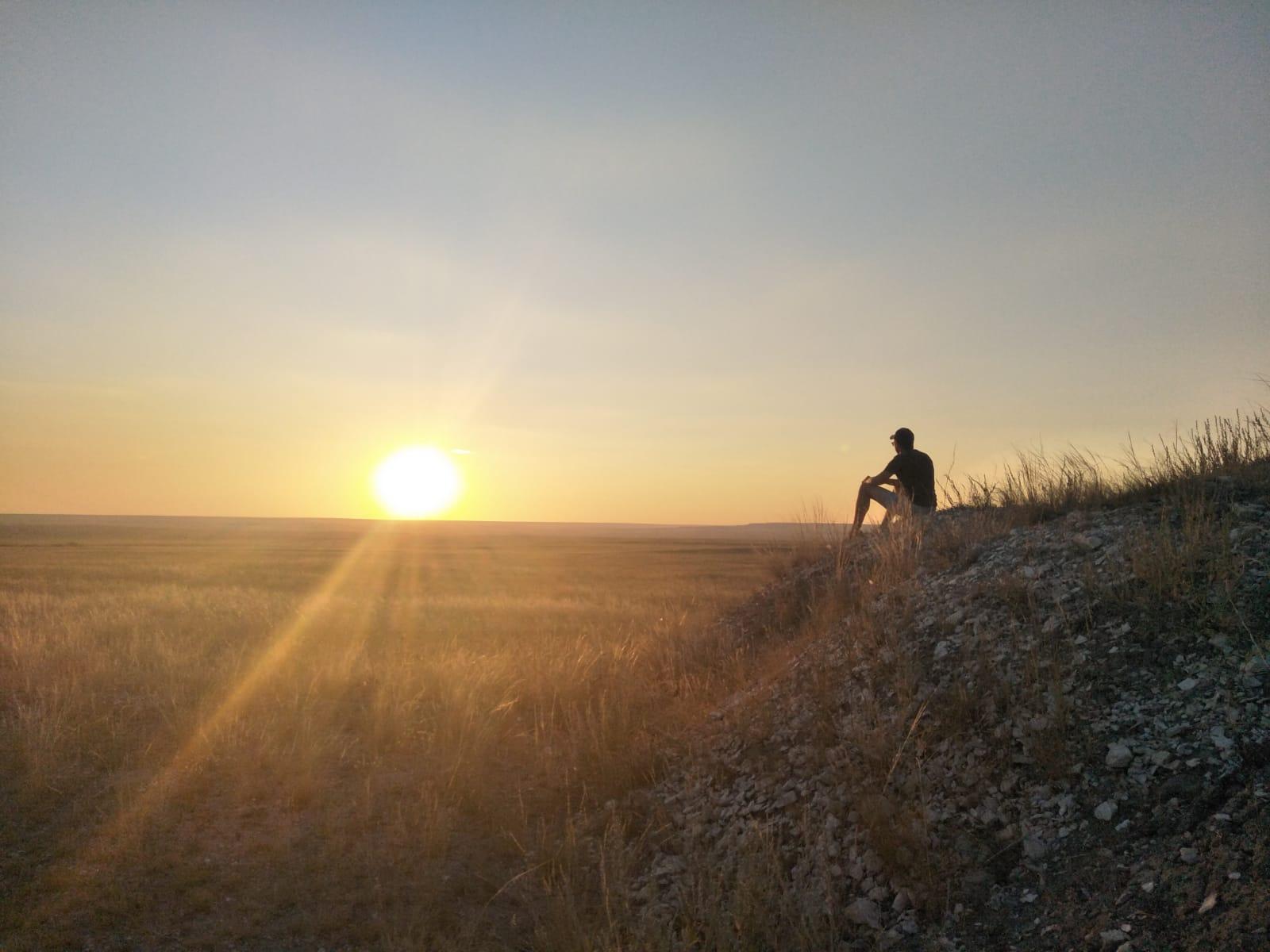 Zonsondergang Kazachstan steppen