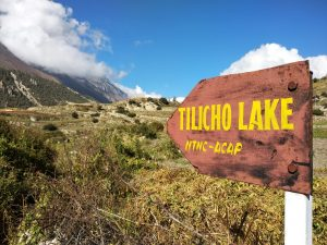 Start trek Tilicho Lake